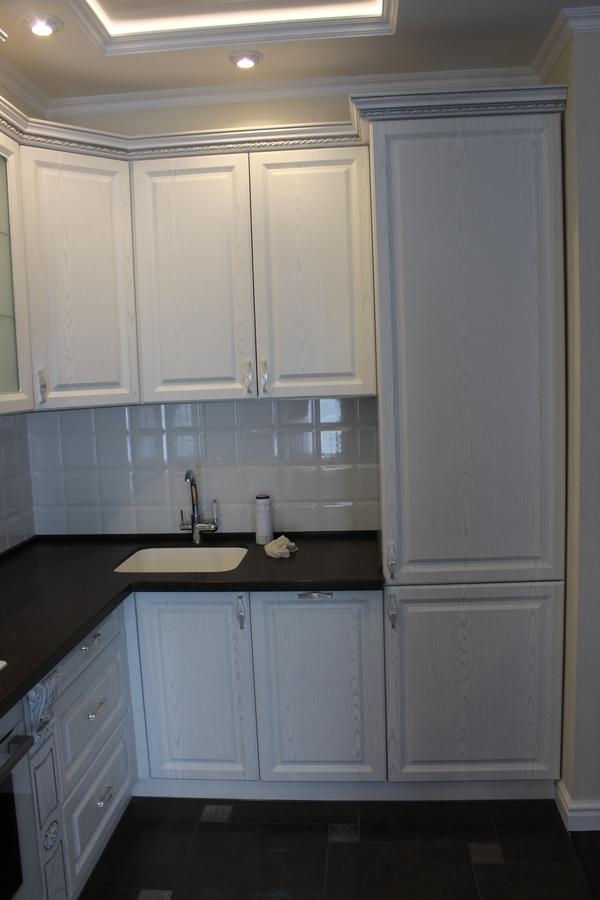 Белый кухонный гарнитур-Кухня из шпона «Модель 43»-фото2