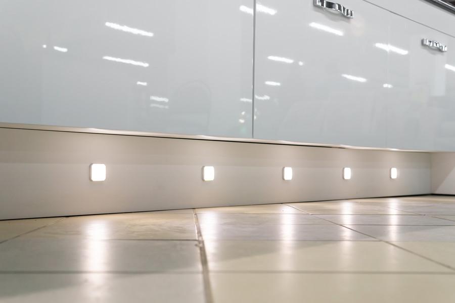 Белый кухонный гарнитур-Кухня МДФ в эмали «Модель 48»-фото3