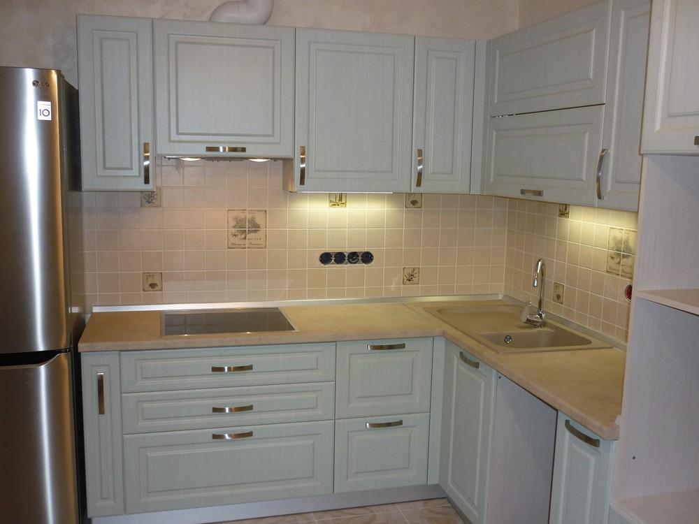 Белый кухонный гарнитур-Кухня МДФ в ПВХ «Модель 290»-фото1
