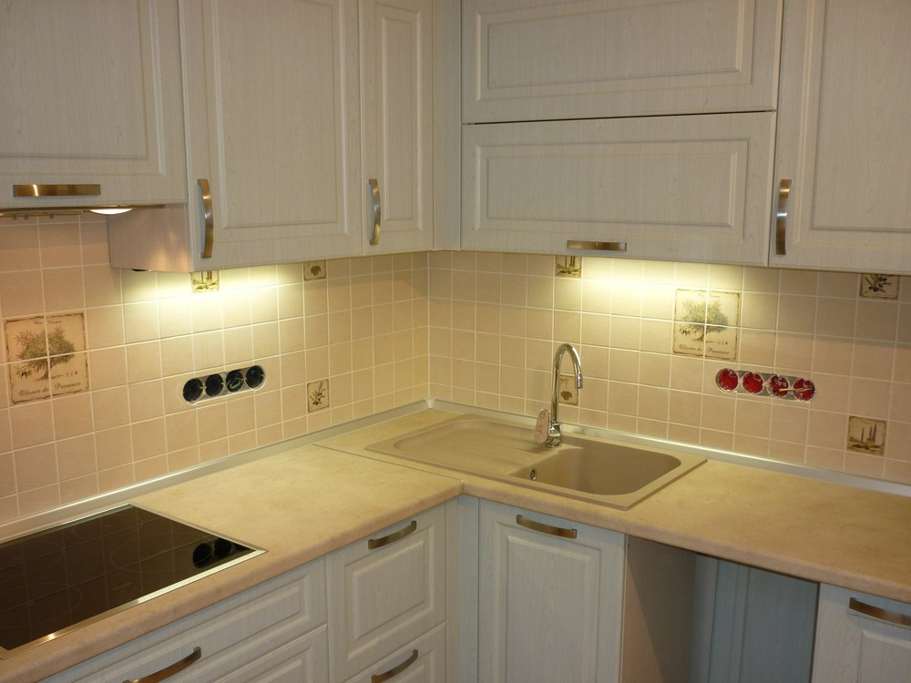 Белый кухонный гарнитур-Кухня МДФ в ПВХ «Модель 290»-фото3