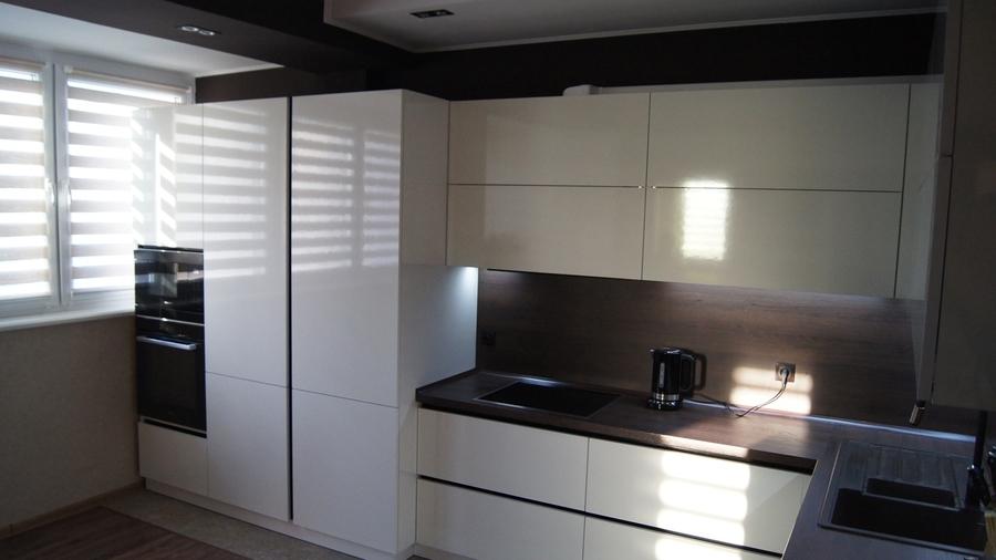 Белый кухонный гарнитур-Кухня из пластика «Модель 270»-фото3