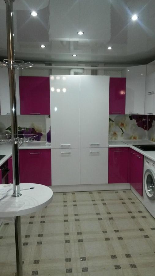 Белый кухонный гарнитур-Кухня из пластика «Модель 395»-фото1