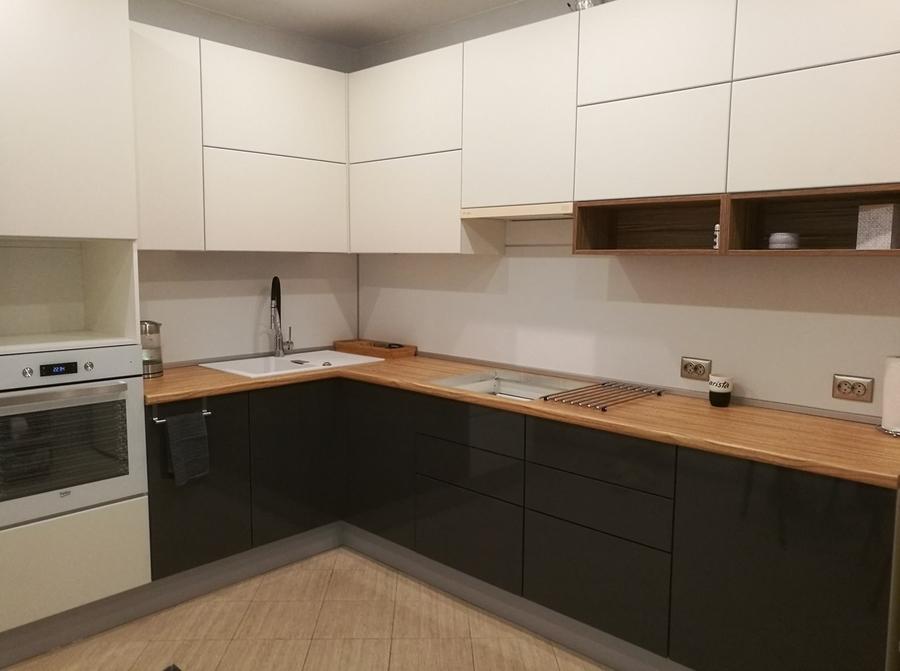 Белый кухонный гарнитур-Кухня МДФ в эмали «Модель 456»-фото1