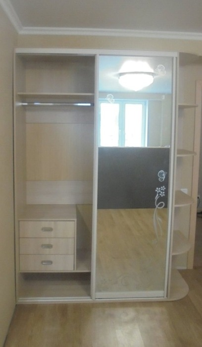 Встроенные шкафы-купе-Шкаф-купе с зеркалом «Модель 79»-фото3