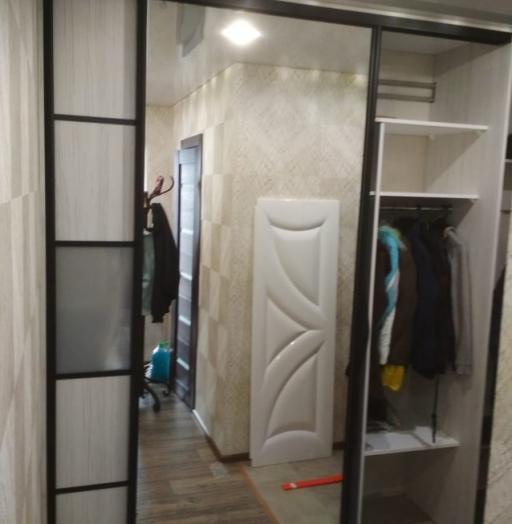 Бельевой шкаф-купе-Шкаф-купе с зеркалом «Модель 484»-фото2